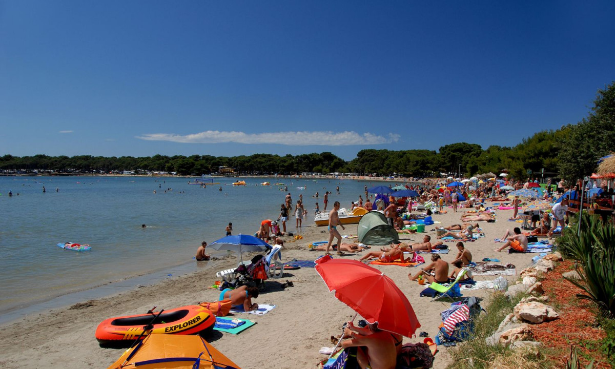 Banjole Croazia Istria Croatia Visit Lux Camp Online And Learn More