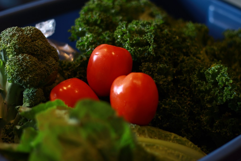Sunshine Organics delivers organic, local produce right to your door.