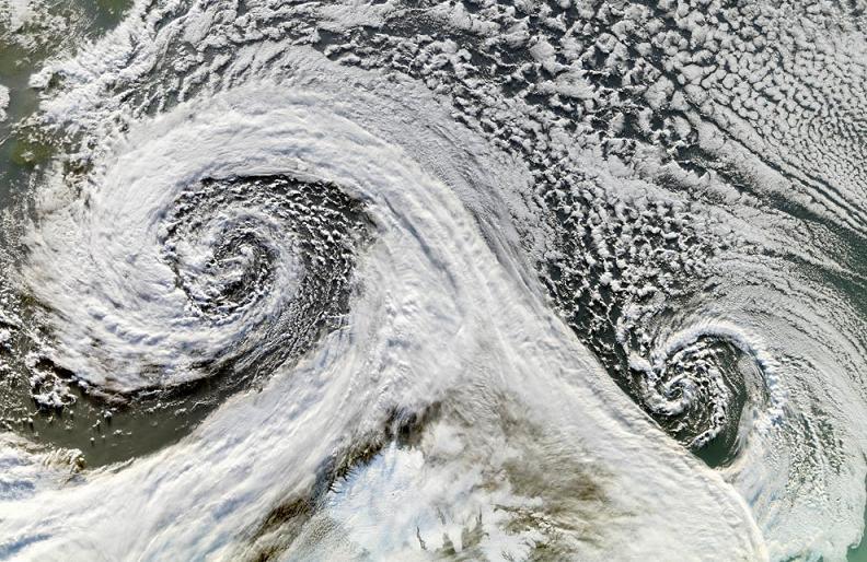 tandem-cyclones-iceland