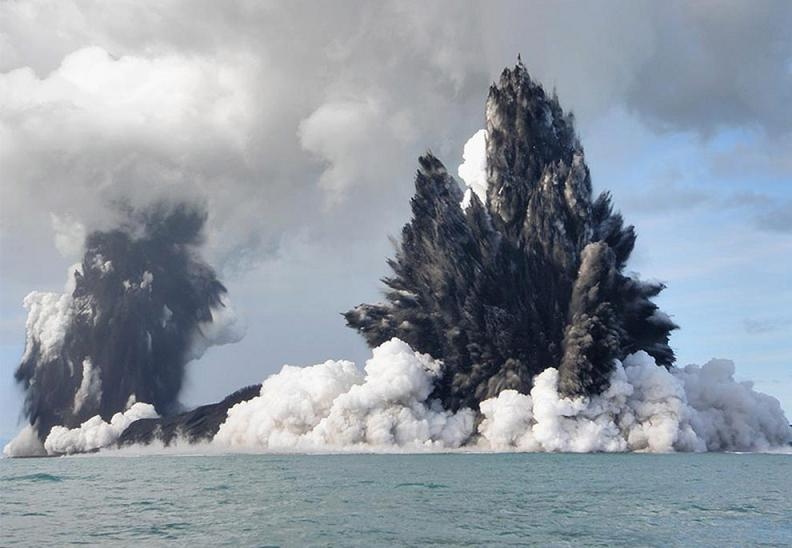 undersea-volcano-tonga-2