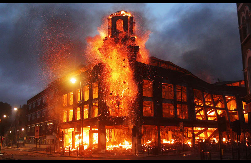 Picture Of The Day London Burning Twistedsifter