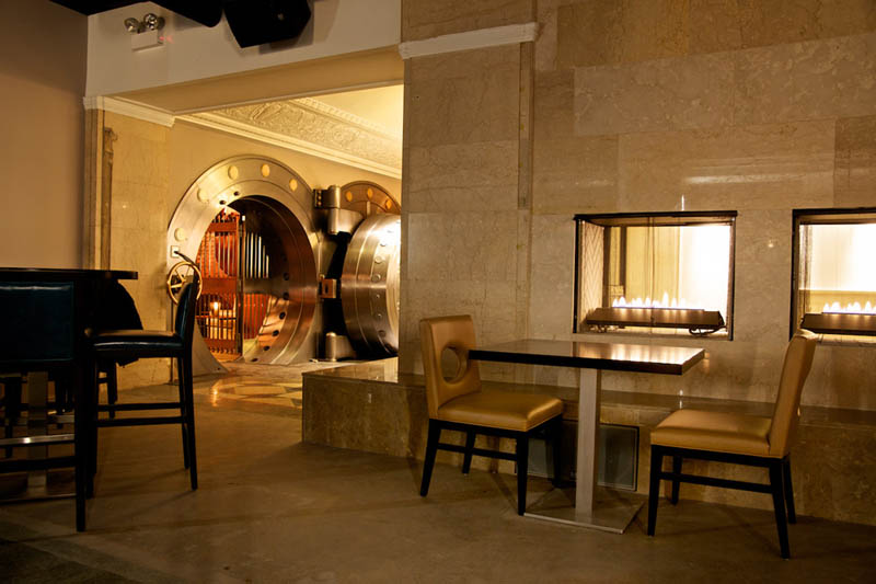 Chicago Supper Club Reclaims 1920s Bank With Vip Vault - Diner Bank