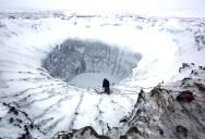 Musician Plays Piano in the Middle of the Arctic as Calving Glaciers Crash BehindHim
