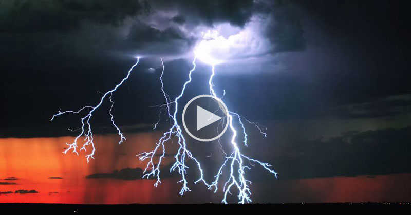 This Might Be the Best Lightning Storm Timelapse I\u0027ve Ever Seen