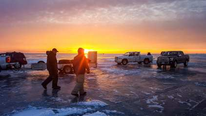 ice-fishing-2071893_1920