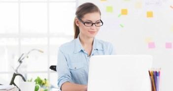 kobieta i komputer
