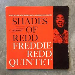 Great type find by @willecke ??? Shades of Redd (original Mono) #freddieredd #bluenote #bluenoterecords #jazz #jazzrecords #vinyl #reidmiles #design #designinspiration #jazzvinyl #typography #franciswolff