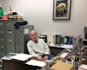 work desk of Hans Klompen at the MBD