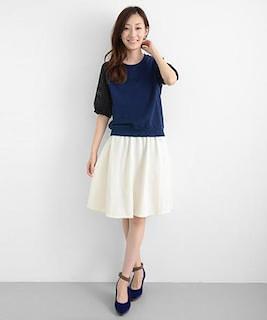 8白フレアスカート×ネイビーニット×ネイビーヒール