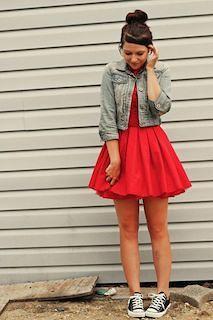 8赤フレアスカート×Gジャン×スニーカー