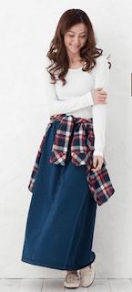 10デニムのロングスカート×チェック柄シャツ