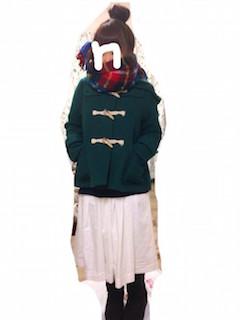 3緑のダッフルコート×ロングスカート×ムートンブーツ