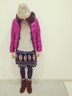 5冬のダウンジャケット×トレーナー×エスニックスカート