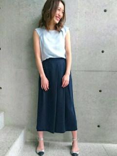 6ネイビーのスカーチョ×フレンチスリーブTシャツ