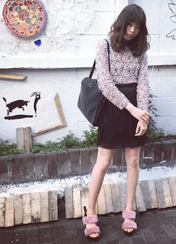9ファースポサン×花柄ブラウス×ミニタイトスカート