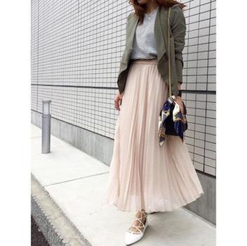 4ピンクのプリーツスカート×ボーダーTシャツ×ジャケット