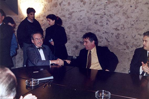 Joan Laporte i Josep M. Nadal , en l'acte de presa de possessió de la Comissió Gestora, 1992