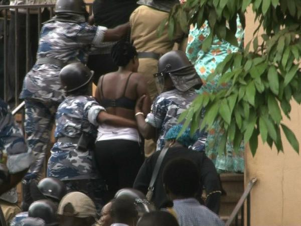 Uganda women protest topless against Police public groping of female politician (3/3)