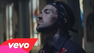"Yelawolf – ""Best Friend"" ft. Eminem"