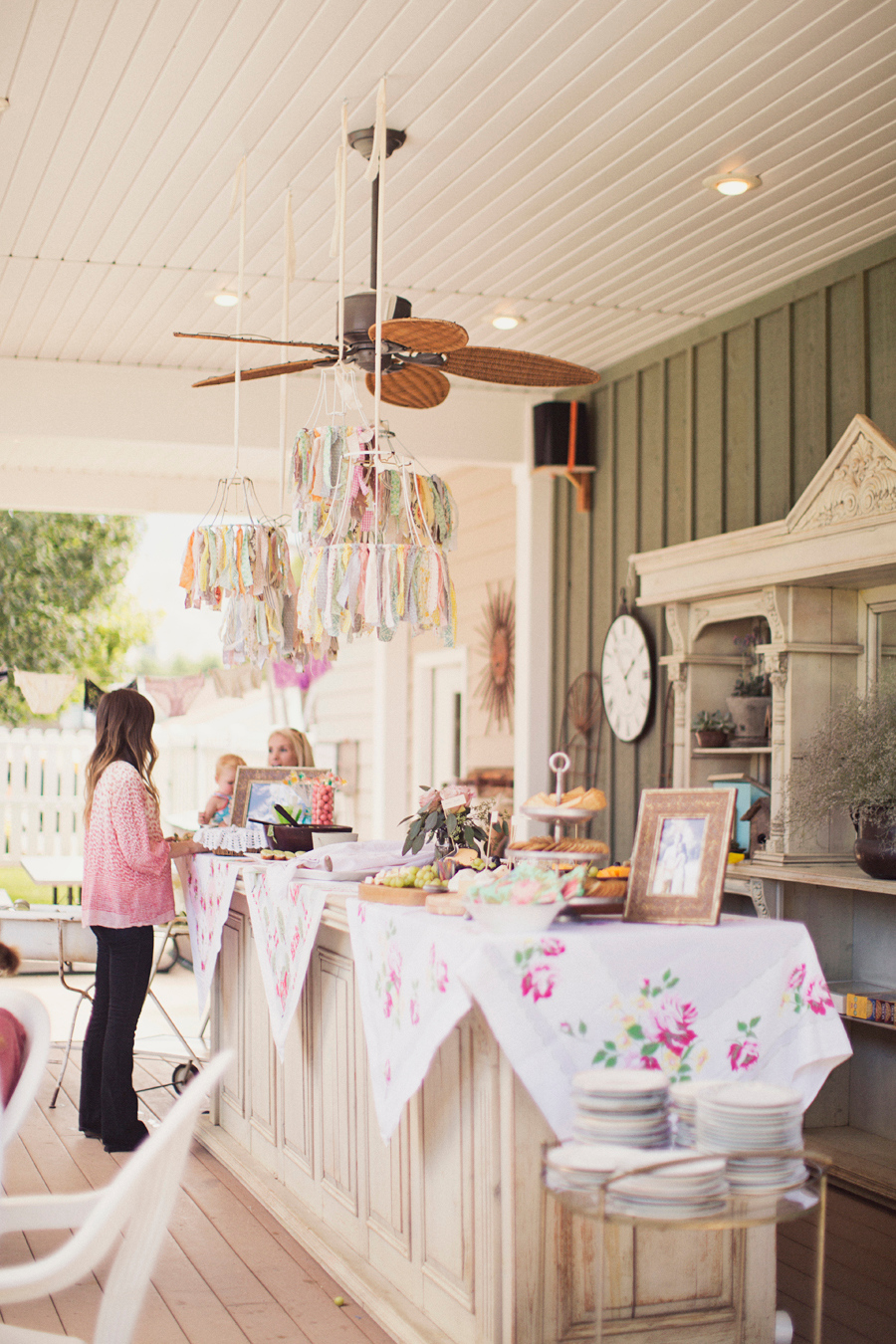 Wedding Gift Etiquette Shower And Wedding : Bridal Shower 101: Everything You Need To Know About Hosting ...