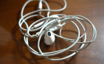 How to Maximize Your iPhone Earphones: Hacks and Controls