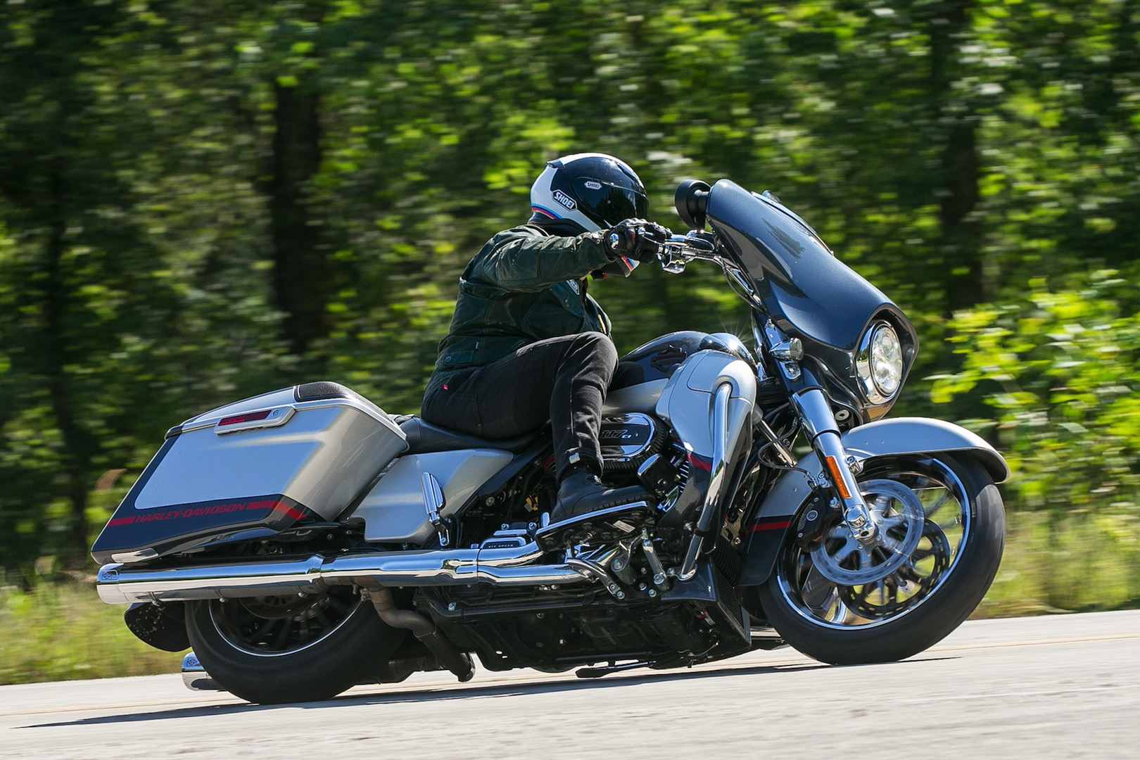 Harley Davidson Touring With 2019 Harley Davidson Cvo Street Glide Review 14 Fast Facts