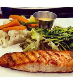 Yummy grilled salmon at #Japengo #salmon #grilled #foodie #eatwell #health #seafood #mirdiff #citycentre #instafood #Dubai #mydubai #healthy