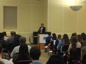 Aaron David Miller speaks to a crowd about U.S.-Israeli relations. Jack Wisniewski/Mitzpeh.