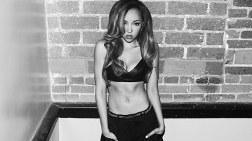 201410-tinashe-press-photo-billboard-2014-650x430