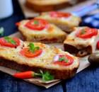 Yoğurtlu  Ekmek  Dilimleri