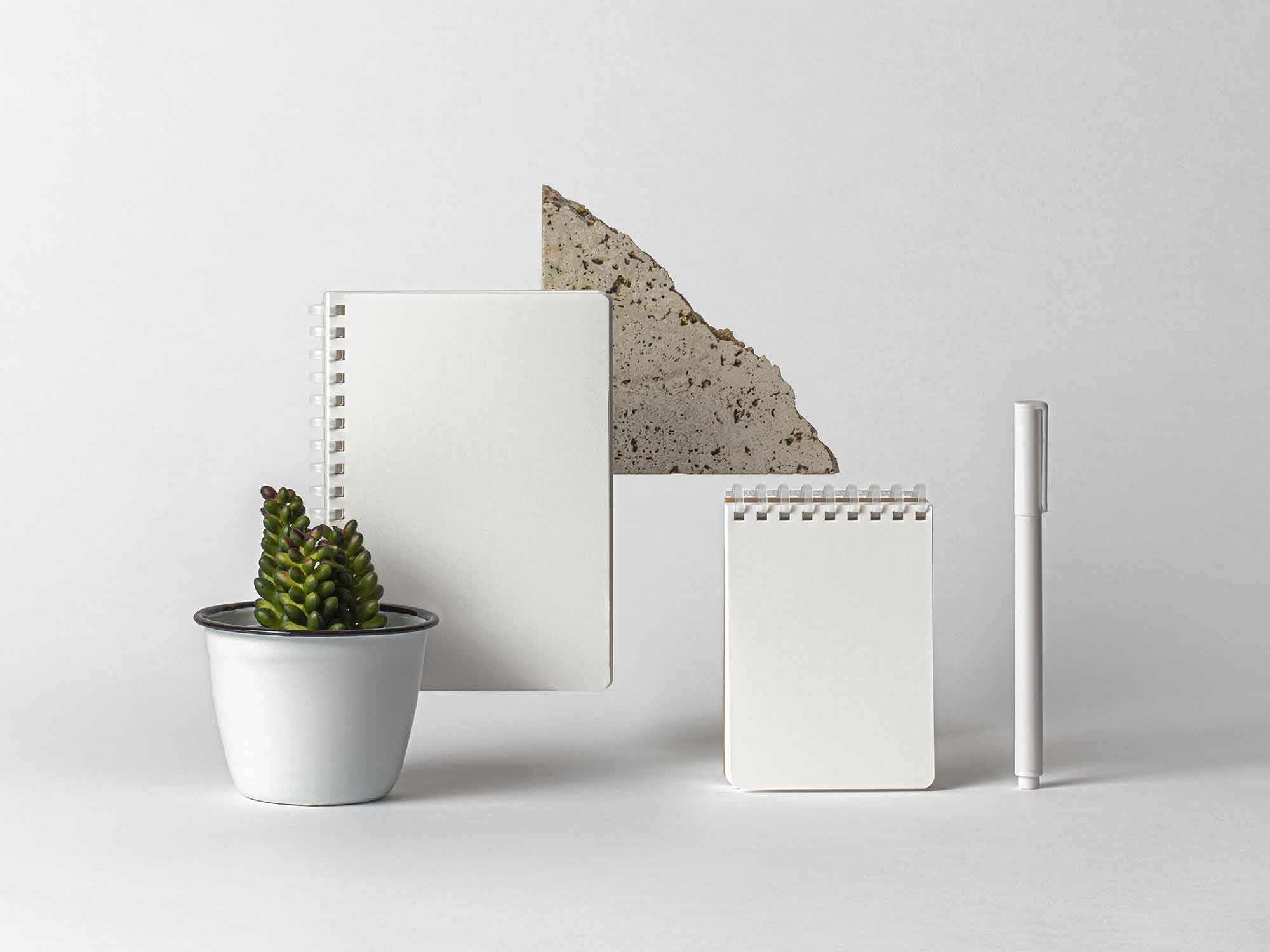 2 Free Ringed Notepads Mockup Psd