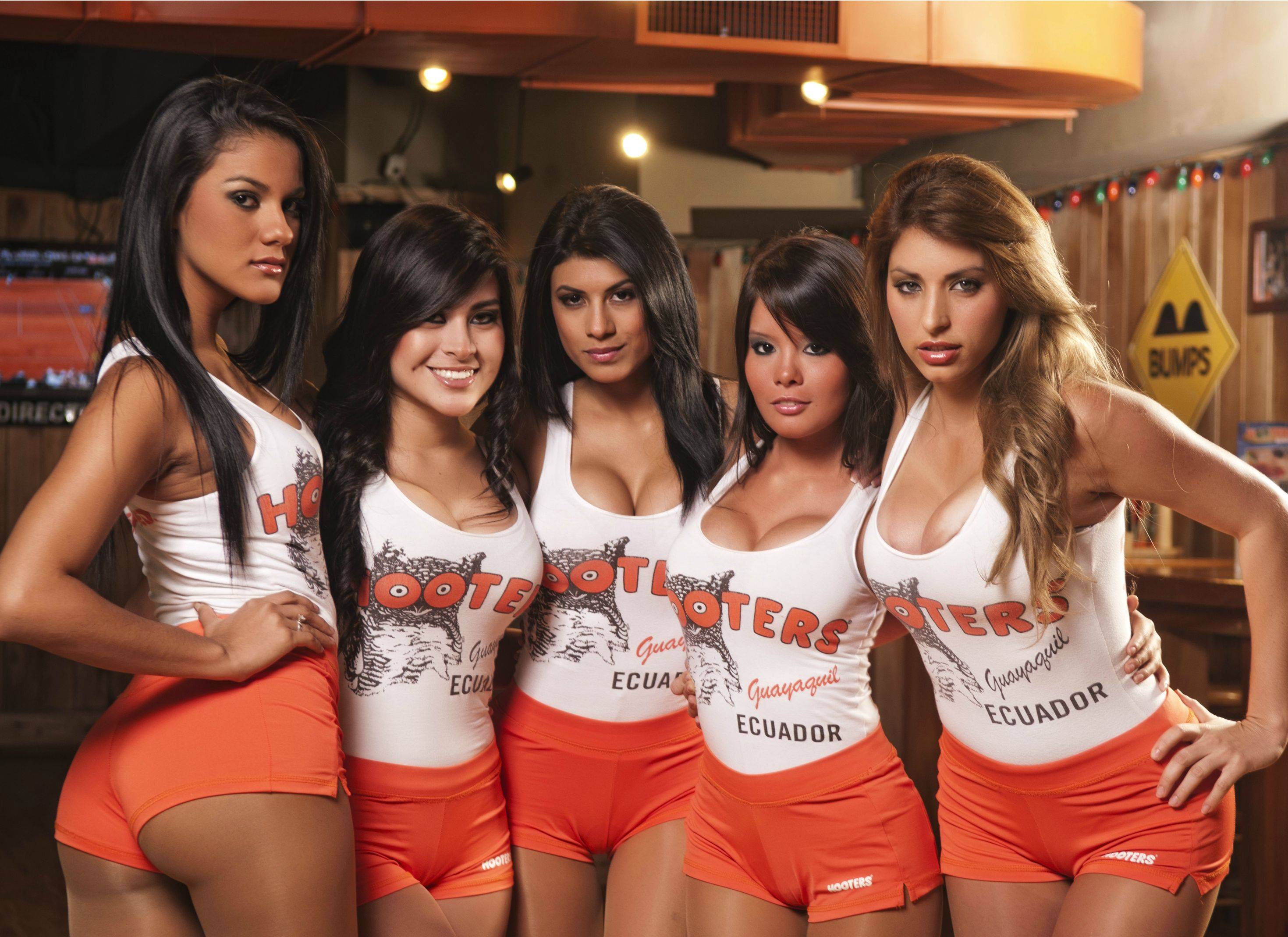New York City School District Calendar 2017 And 2018 Do The Girls Who Work At Hooters Have No Shame Pics