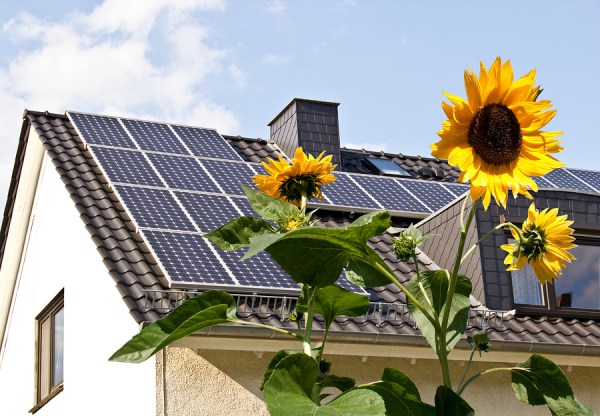 Solar-cells-on-a-roof
