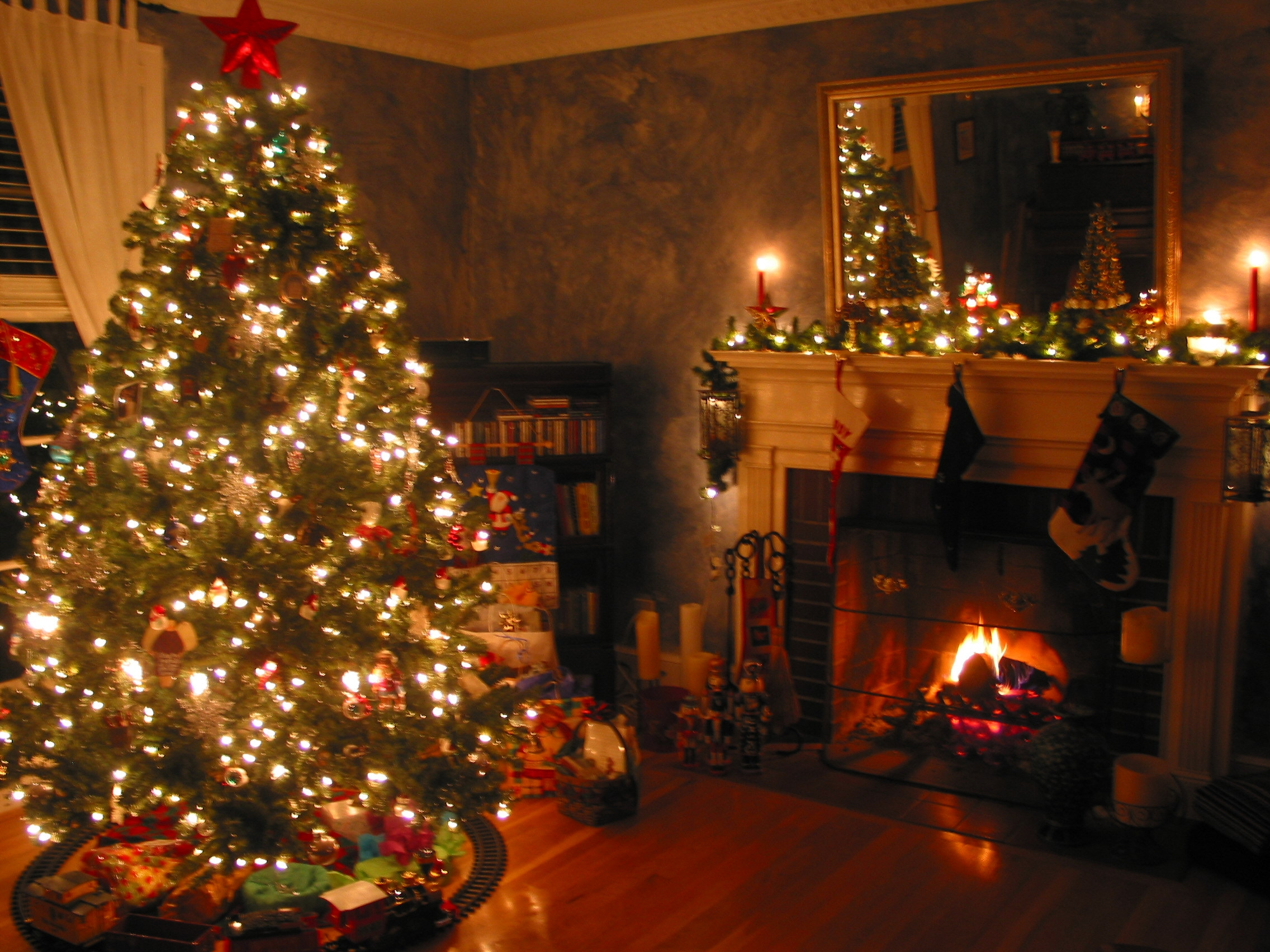 Christmas Fireplace Decorating Ideas Decorate