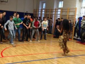 Plesu Dalande Diallo so se pridružili tudi učenci šole