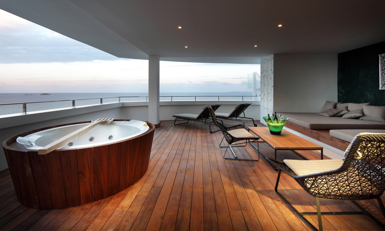 Jacuzzi Pool Hotel Room Ushuaia Ibiza Beach Hotel The Best Pool Party In The World