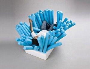 歯磨き粉の気持ちになれるソファー