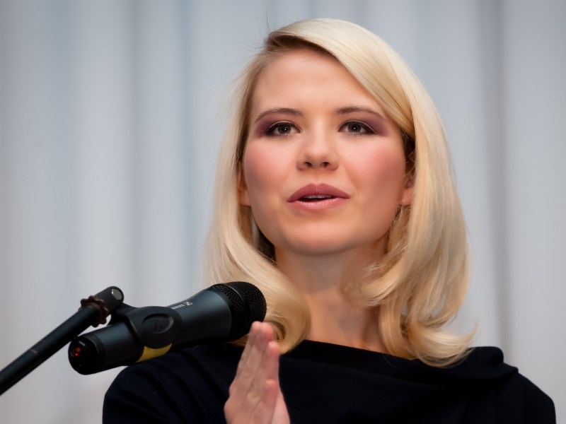 Activist Elizabeth Smart speaking at BYU March 5, 2014 to kick off the Women's Services Office campaign, Voices of Courage. Smart will speak again to students Dec. 9 at Utah Valley University. (Photo courtesy Women's Services and Resources Office.)