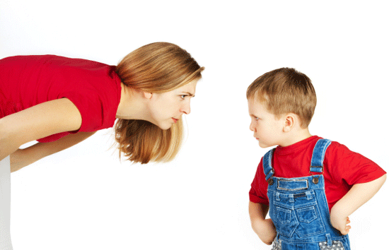 figlio e madre discutono