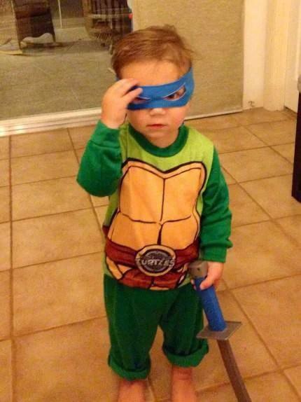 bimbo vestito tartaruga ninja