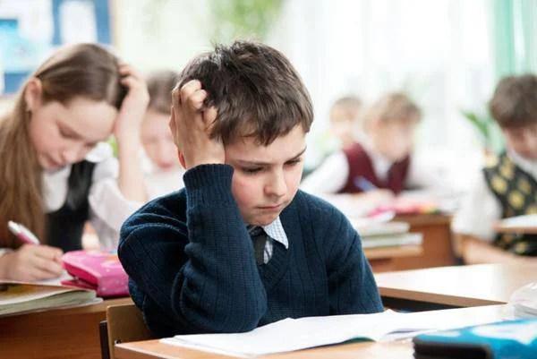 bambino problemi a scuola