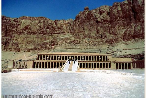 templo-de-hatshepsut-de-cerca