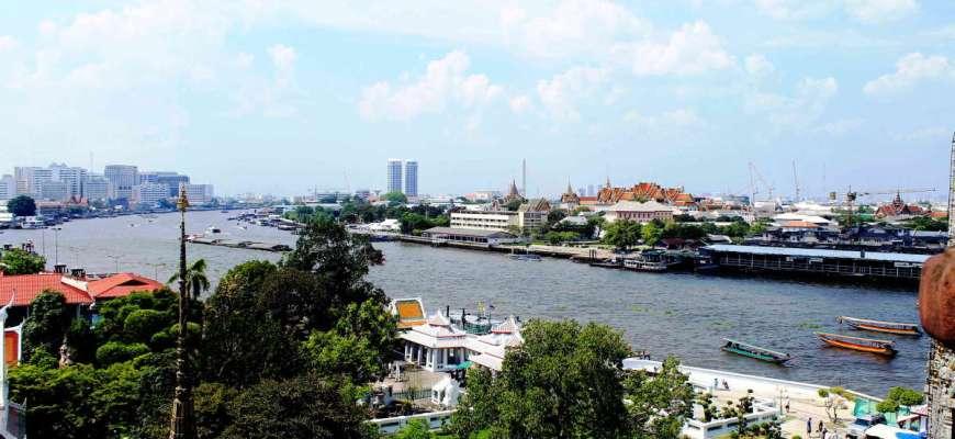 vista del rio chao phraya bangkok