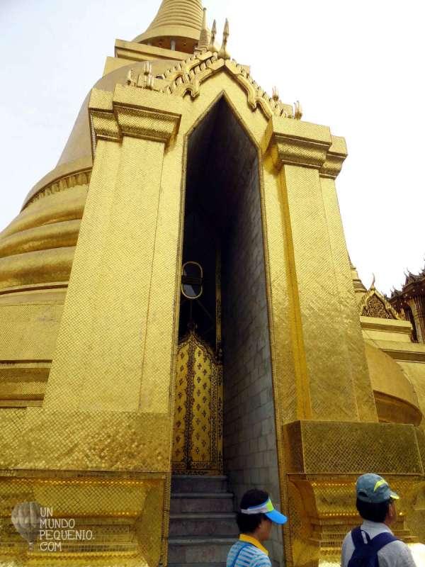 Gran Palacio estupa dorada