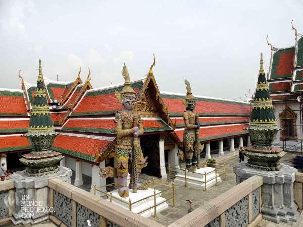 Gran Palacio guardianes