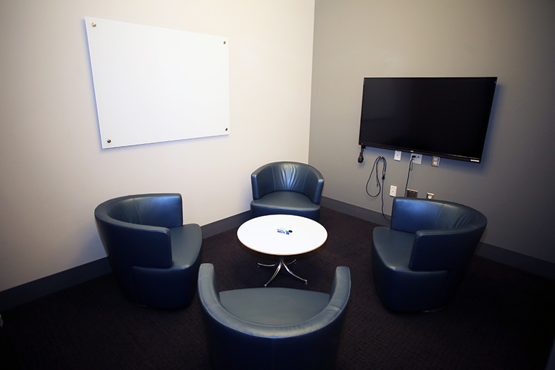 Table Lounge Small Meeting Rooms | Barbara Weitz Community Engagement
