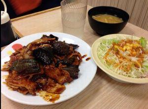 豚と茄子の辛味噌炒め定食カロリー松屋味感想2015比較期間いつまで