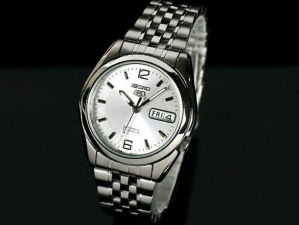 メンズ腕時計の基本はこれ!新社会人・就職活動でマイナス評価にならないための選び方