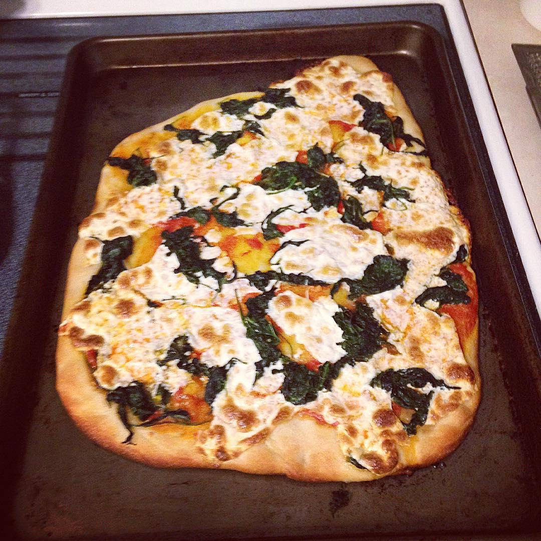 Blue apron spinach pizza - Spinach And Fresh Mozarella Pizza