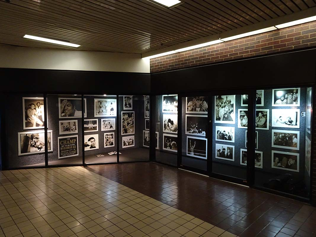 Photography Exhibition New Muhammad Ali Photo Exhibit At Nyc S Port Authority Bus